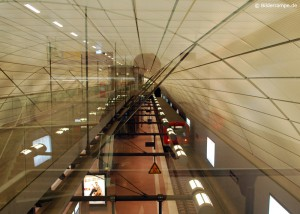 S-Bahnhof Airport Hamburg, abfahrende S-Bahn