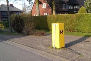 Schiefer Postkasten