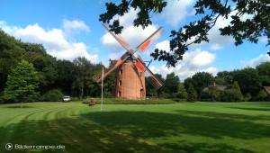 Park mit Mühle