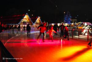 Eislaufen unterm Fernsehturm