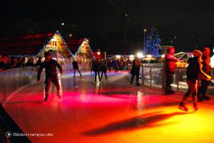 Eislaufbahn vorm Roten Rathaus
