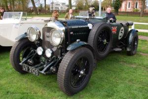 Bentley Rennwagen mit dem typischen Drahtgitter-Kühler